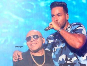 Romeo Santos comenzó su actuación a las 6:35 y termino a las 8:45 de la noche en San Pedro de Macorís, siendo el concierto de más tiempo en su gira por los pueblos.