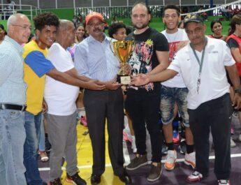 Alcaldía Santiago concluyó semana entregando e iniciando nuevas obras y apoyando el deporte